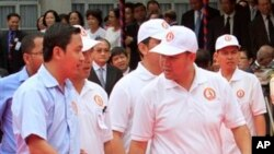 Con trai Thủ tướng Hun Sen, Hun Many, thứ hai từ phải qua.