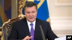 Predsednik Ukrajine Viktor Janukovič govori na konferenciji za novinare u Kijevu