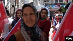 Hanife, an AKP supporter, backs the Istanbul revote saying the March vote was unfair. (VOA/D.Jones)