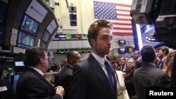 El actor Robert Pattinson en la bolsa de Nueva York el pasado mes de agosto.