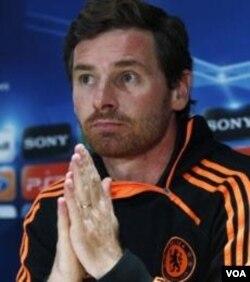 Manajer Chelsea, Andre Villas-Boas dalam sebuah konferensi pers di London (5/12).