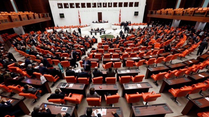 turkish-law-gives-spy-agency-controversial-powers
