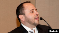 Entrevista con el politólogo Israel Navarro