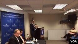 Američki diplomata Džonatan Mur i analitičar Edvard Džozef na panel diskusiji u Centru za Transatlantske odnose.
