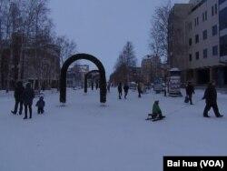 汉特-曼西斯克市中心 (美国之音白桦拍摄)
