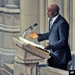 Rory Sparrow, NBA VP of Player Development speaks at Manute Bol's funeral at the Washington National Cathedral, 29 Jun10