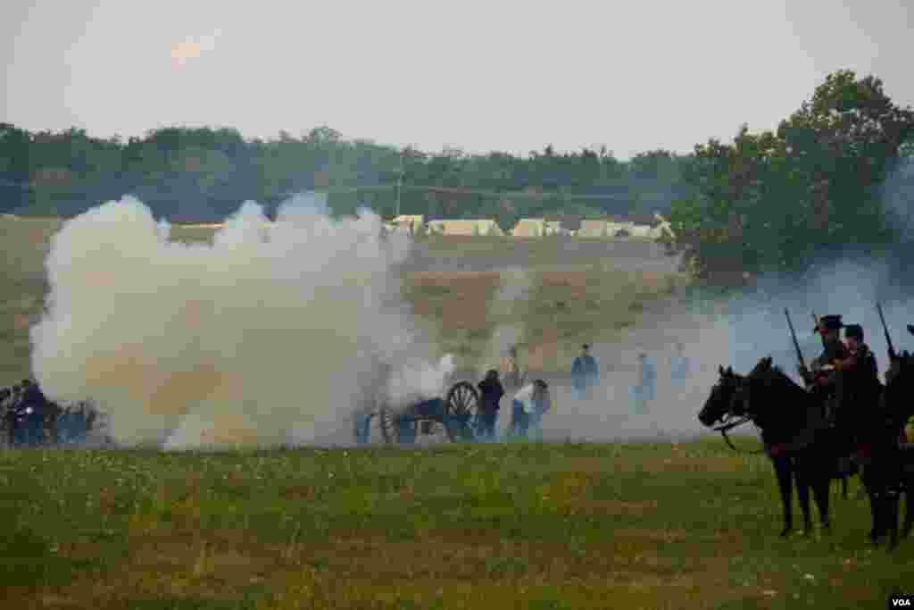 Работает артиллерия северян