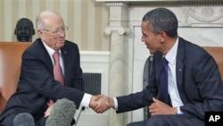 奧巴馬會晤突尼斯總理埃塞卜西。
