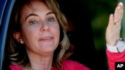 La ex representante Gabrielle Giffords sobrevivió en 2011 a un tiroteo en Arizona, donde recibió un disparo en la cabeza. El atacante tenía serios problemas mentales.