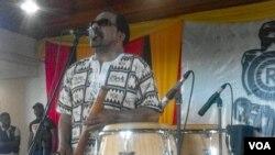 """Bonga """"um homem do mundo"""" homenageado no Muzongué da Tradição"""