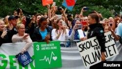 Suedezja 16-vjeçare në përfundim të udhëtimit të saj trans-Atlantik