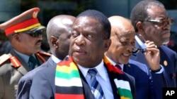 UMnangagwa ngesikhathi esemhlangagweni weAfrican Union Summit.