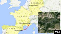 Peta lokasi Dusseldorf, Barcelona, dan Barcelonnette, dengan insert gambar satelit atas lokasi kecelakaan.