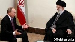 پوتین به تازگی در تهران با آیت الله خامنه ای دیدار کرد.