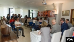 A press conference led by senior officials of the European Union on the controversial Draft Law on the Association and Non-Governmental Organization on Friday May 22, 2015. (Photo: Neou Vannarin/ VOA Khmer)