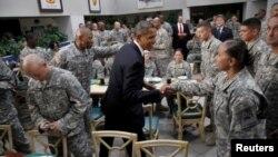 Tổng thống Obama thăm binh sĩ Hoa Kỳ tại Fort Bliss, Texas, 31/8/2012