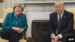 Donald Trump na Angela Merkel