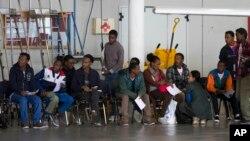 Des migrants érythréens en Italie, 9 octobre 2015. (AP Photo/Andrew Medichini)