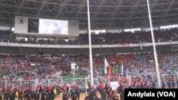 Puluhan ribu buruh memadati Stadion Gelora Bung Karno, Jakarta, memperingati Hari Buruh (May Day), 1 Mei 2015. (Andylala).JPG