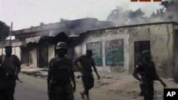 Tentara Nigeria melakukan operasi di tempat yang diduga persembunyian para militan Boko Haram di Maiiduguri (foto: dok).