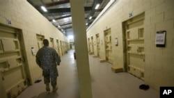 攝於2010年9月27日﹐靠近喀布爾北部的巴格拉姆監獄