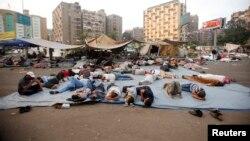 Magoya bayan Morsi kwance a dandalin Rabaa Adawiya
