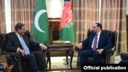 پاکستانی وزیرِ خارجہ شاہ محمود قریشی نے اپنے افغان ہم منصب صلاح الدین ربانی سے بھی ملاقات کی۔