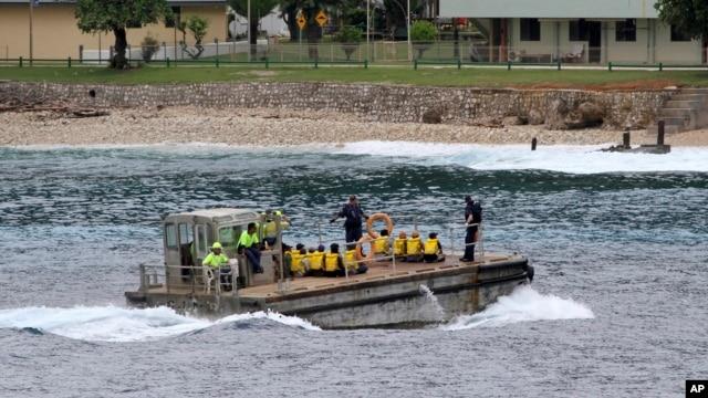 Một nhóm người tị nạn Việt Nam được đưa đến đảo Christmas ở Australia (ảnh chụp ngày 14/4/2013).