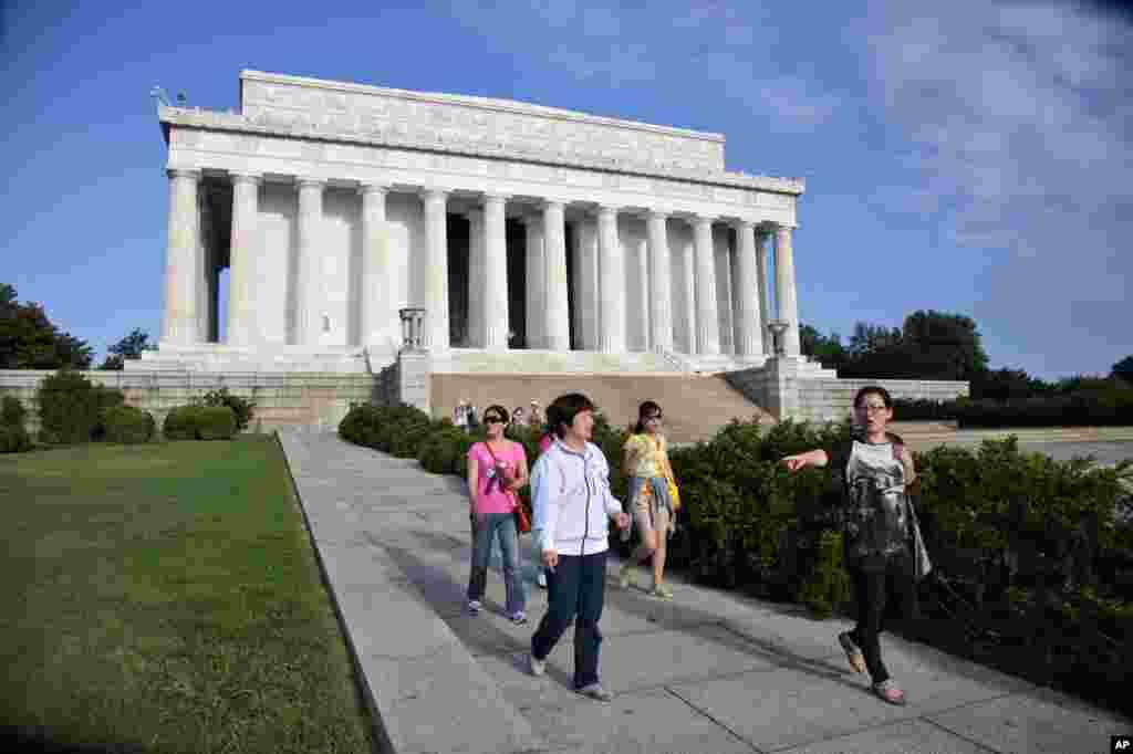 El monumento a Lincoln es una de las atracciones más visitadas en la capital de EE.UU.