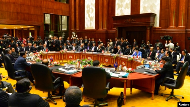 Trung Quốc muốn giải quyết vấn đề một cách riêng rẽ với từng nước một, chứ không phải giải quyết chung như mong muốn của Washington, Tokyo và một số nước hội viên ASEAN.