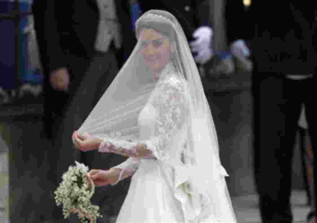 Kate Middleton llega a su boda con el príncipe Guillermo de Gran Bretaña.