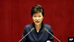 지난 16일 박근혜 한국 대통령이 국회에서 대북 정책에 관한 특별 연설을 하고 있다. (자료사진)