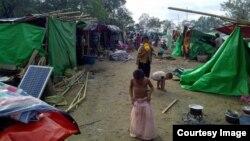 ရခုိင္ပဋိပကၡေၾကာင့္ ထြက္ေျပးလာတဲ့ ကေလးငယ္မ်ား (photo-Rakhine Ethnics Congress)