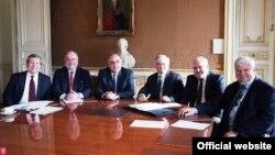 ԵԱՀԿ-ի Մինսկի խմբի համանախագահների և ԵԱՀԿ-ի գործող նախագահի անձնական ներկայացուցչի հանդիպումը Հայաստանի և Ադրբեջանի արտգործնախարարների հետ Փարիզում 2014 թ. հունվարի 24-ին (արխիվային լուսանկար)