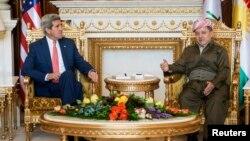 이라크를 방문 중인 존 케리 미국 국무장관이 24일 쿠르드 자치정부가 있는 북동부 아르빌에서 마수드 바르자니 수반과 회담했다.