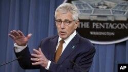 """美國國防部長哈格爾星期四表示,五角大樓在打擊軍中性侵案中取得了""""切實進展"""",但是還需要進行更多的努力。"""