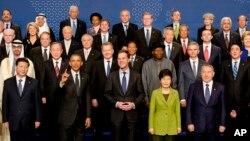 지난 2014년 3월 네덜란드 헤이그에서 열린 핵안보정상회의에서 참가국 정상들이 기념촬영을 하고 있다. (자료사진)