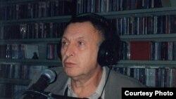 Андрей Смирнов в Нью-Йорке, на радиостанции «Народная волна». 2000 г.