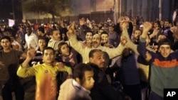 صدر مبارک کے اعلان کے باوجود مظاہرے جاری