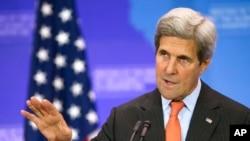 존 케리 미국 국무장관이 21일 국무부에서 열린 기자회견에서 발언하고 있다.