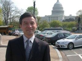 贺卫方2006年在华盛顿留影 (美国之音致远拍摄)