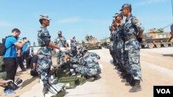 中國僅能出錢?今年夏季來俄羅斯參加軍事比賽的中國軍人。 (美國之音白樺拍攝)