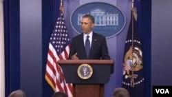 Shugaba Obama a fadar White House jiya jumma'a yana magana kan zabtare kudaden da gwamnati take kashewa.