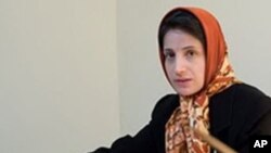 Nasrin Sotoudeh pengacara HAM Iran (foto: dok) dan Jafar Panahi sineas film dianugerahi hadiah HAM 'Sakharov' oleh parlemen Uni Eropa (26/10).