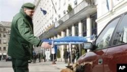جرمني په هوايي ډګرونو او د اورګاډو په ستیشنونو کې امنیت ټینګ کړ
