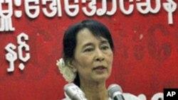 برما پر پابندیاں نرم کی جائیں: آنگ ساں سوچی