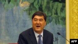 Ông Nur Bekri, chủ tịch chính quyền khu vực Tân Cương, nói rằng các ưu tiên hàng đầu ở đó là duy trì ổn định và chống chủ trương ly khai