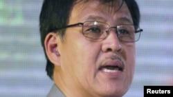 Menteri Dalam Negeri Filipinan Jesse Robredo (foto: dok) hilang dalam kecelakaan pesawat, Sabtu (18/8).