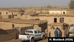 "Desa Delawaya yang ditinggalkan militan ISIS menjadi markas sementara bagi pasukan ""Hashd Shaabi"" untuk membebaskan kota Tal Afar (17/12)."