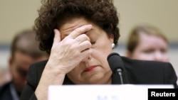미 연방 인사관리처(OPM) 캐서린 아출레타 처장이 지난 6월 미 의회 하원청문회에서 증언하고 있다.